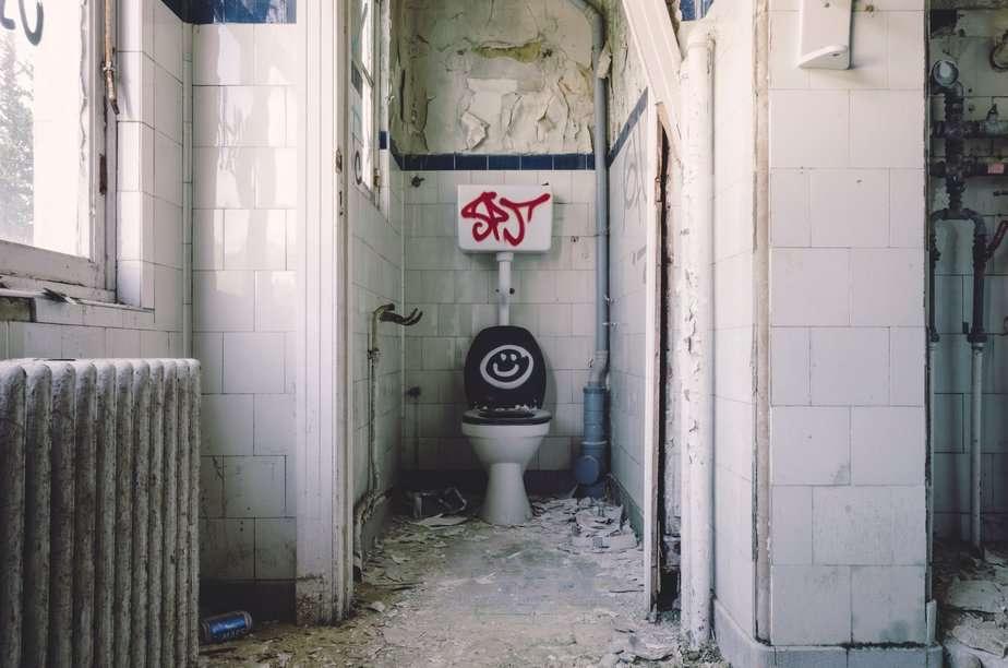 Flush Toilet -Obaboy